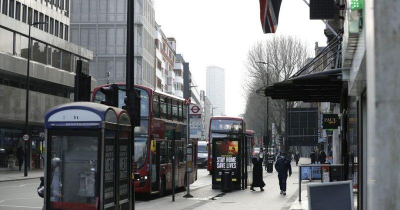Общество: Великобритания будет отправлять приезжих на карантин в COVID-отели: детали