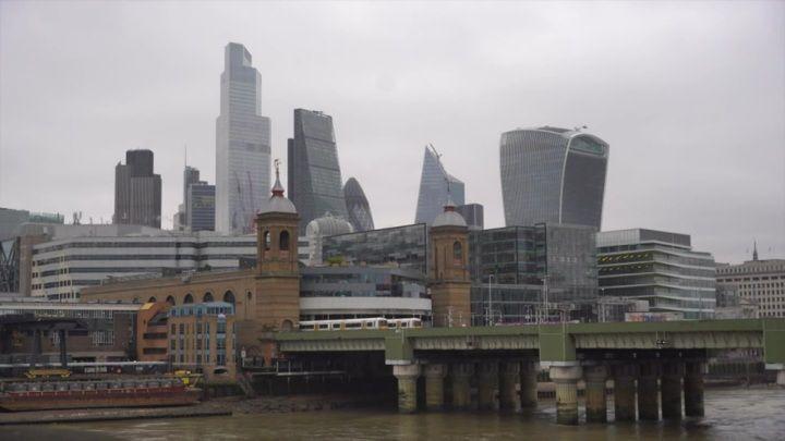 Общество: Китайский канал CGTN продолжает работать в Британии даже после отзыва лицензии