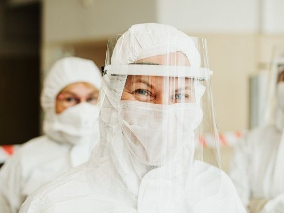 Общество: Всех прибывающих в Великобританию обяжут сдать платные тесты на ковид