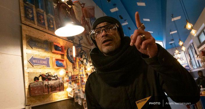 Общество: Кухня по-египетски: как шеф Амин покинул Лондон ради Цахкадзора