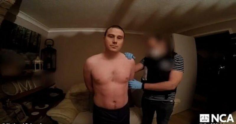 Общество: Покончили с собой из-за педофила: британец хитрым способом выманивал у детей фото