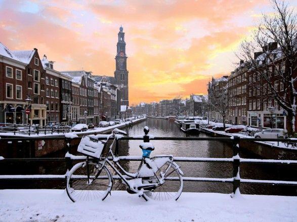 Общество: Амстердам впервые обошел Лондон в торговле ценными бумагами