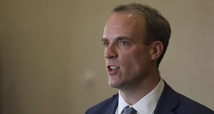 """Общество: Война Китая и ВВС: глава МИД Британии назвал """"неприемлемым"""" запрет на вещание"""