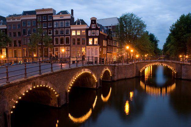 Общество: Амстердам отобрал у Лондона титул главного центра торговли акциями в Европе