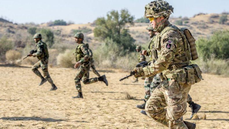 Общество: Вооруженные силы Великобритании страдают от сильной нехватки кадров