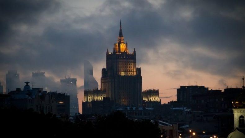Общество: Ротация стала причиной отъезда ряда российских дипломатов из Лондона