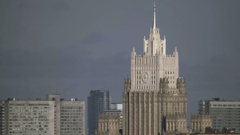 Общество: МИД России объяснил отъезд дипломатов из Лондона