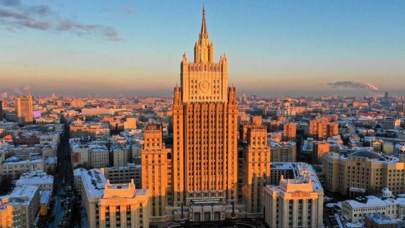 Общество: Российский МИД объяснил досрочный отъезд дипломатов из Лондона