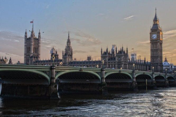 Общество: Британия хочет исключить инвестиции со стороны России и КНР в оборонную сферу