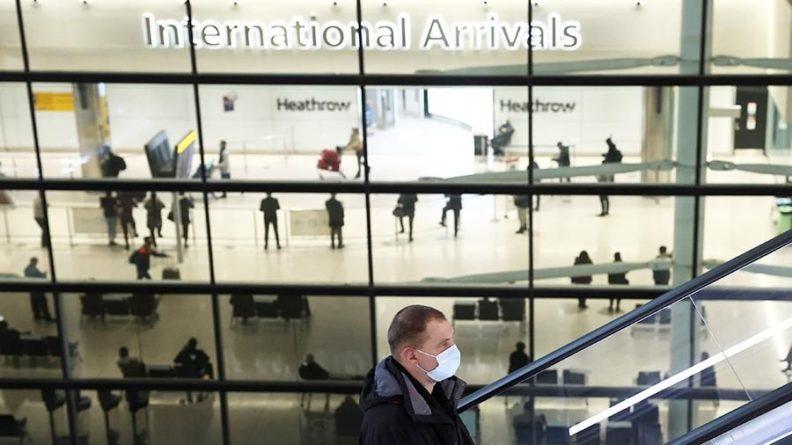 Общество: Приостановку авиасообщения с Великобританией продлили до 16 марта