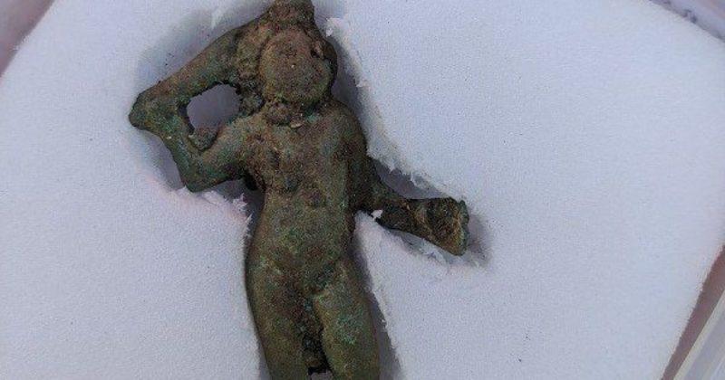 Общество: В Британии обнаружили статуэтку Купидона, которой 2 тысячи лет