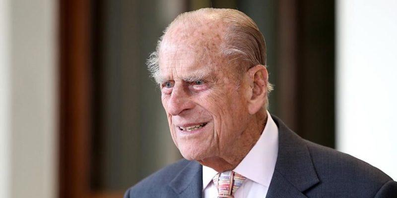 Общество: Мужа королевы Великобритании госпитализировали: что известно