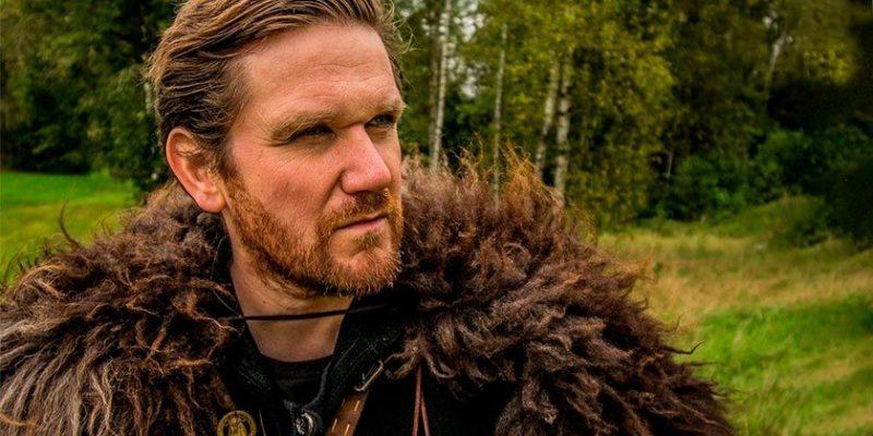 Общество: Англичанка гуляла с металлоискателем и нашла клад викингов
