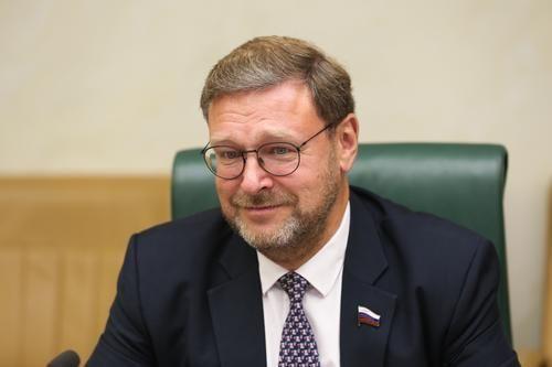 Общество: Сенатор Косачев отреагировал на обвинения главы МИД Великобритании в нарушении прав человека в России