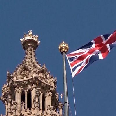 Общество: Жители Великобритании массово раскупают авиабилеты и летние туры