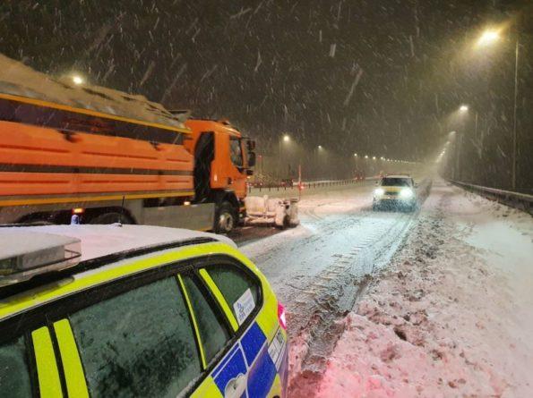 Общество: На севере Англии утром перекрывали дороги из-за сильных снегопадов
