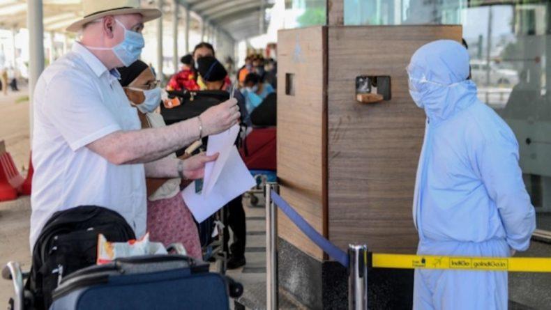 Общество: Джонсон назвал этически сложным вопрос о введении паспортов вакцинации