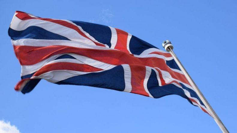 Общество: Великобритания назвала даты возвращения международного туризма