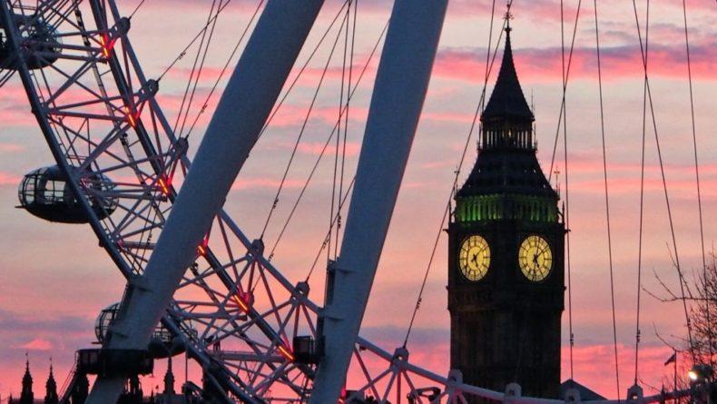 Общество: Великобритания может возобновить прием туристов уже в мае 2021 года