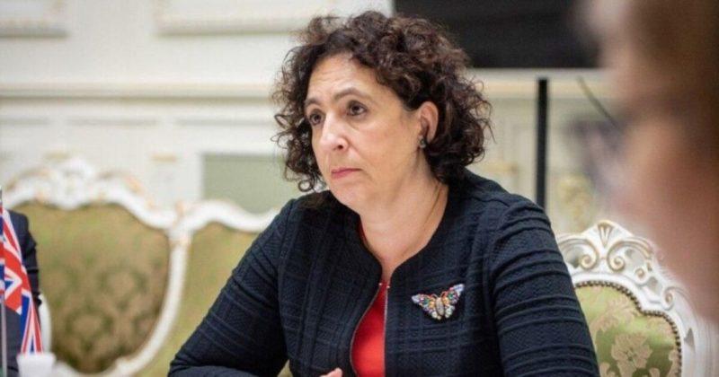 Общество: Посол Великобритании призналась, что Леся Украинка вдохновляет ее учить украинский