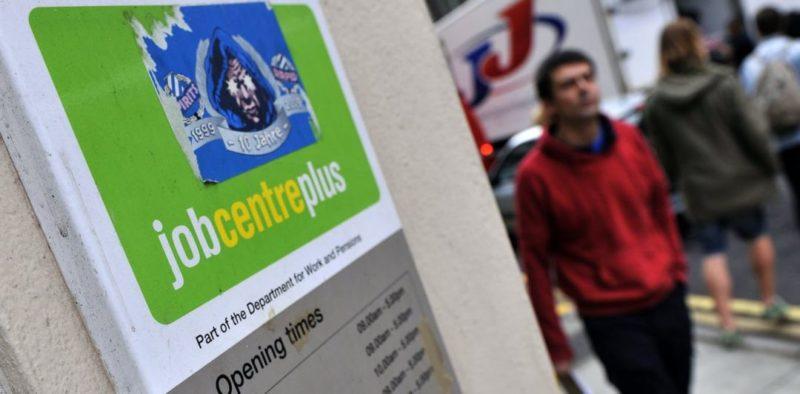 Общество: Пандемия раскрыла масштабы расизма на рынке труда Британии