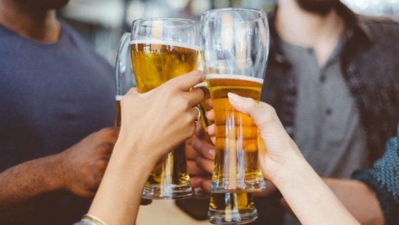 Общество: Джонсон поддержал снижение акцизов на пиво для пабов