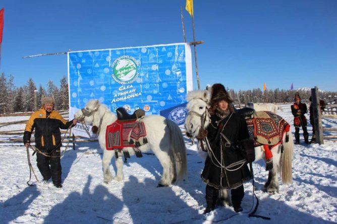 Общество: Двое жителей Якутии отправились в конный поход в Лондон