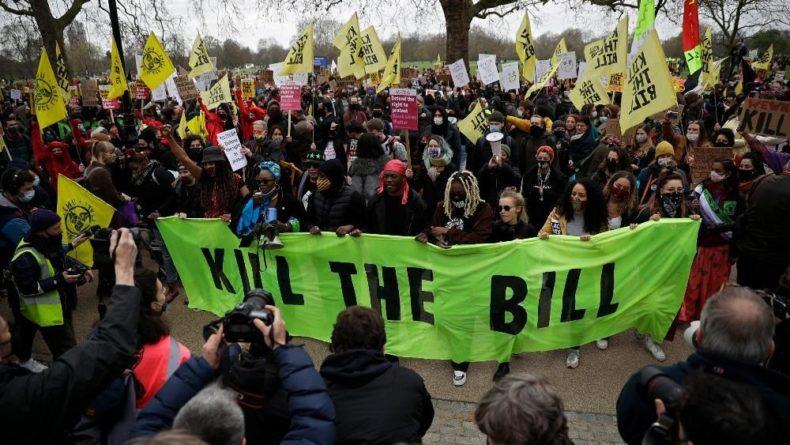 Общество: Демонстрации под лозунгом «Убей билль» в Англии и Уэльсе