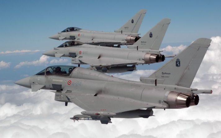 Общество: ВВС Великобритании проведут маневры в 300 км от границ России