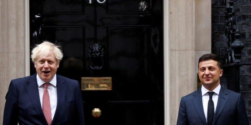 Общество: Зеленский обсудил обострение на Донбассе с премьером Британии Джонсоном