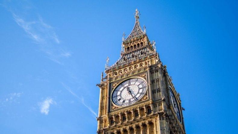 Общество: Британия переходит ко второму этапу ослабления ограничений из-за COVID-19