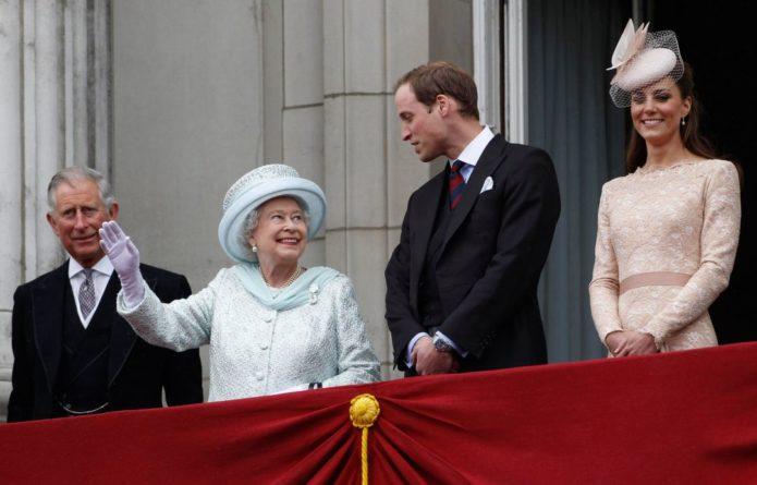Общество: Принца Уильяма британцы хотят видеть следующим королем, а не его отца: опрос