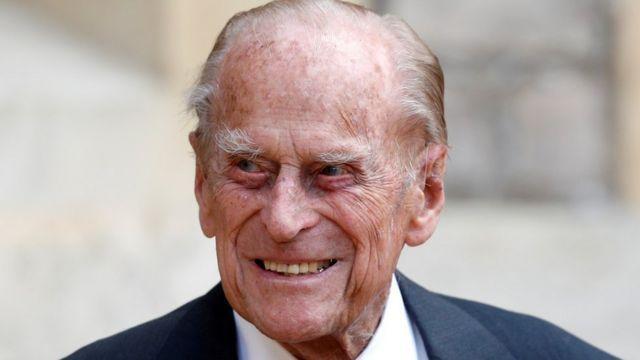Общество: В Британии умер муж Елизаветы II принц Филипп