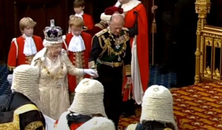 Общество: Отречение Елизаветы II от престола из-за смерти мужа: в Британии раскрыли возможность перемен