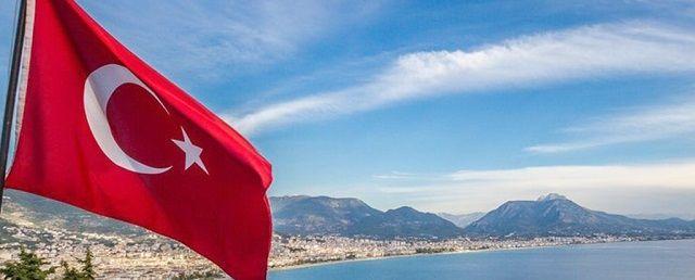 Общество: Туроператоры в Англии начали переносить туры в Турцию с мая на июль