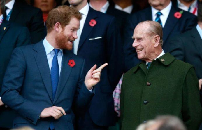 Общество: Принц Гарри прилетел в Британию на похороны деда, принца Филиппа – СМИ