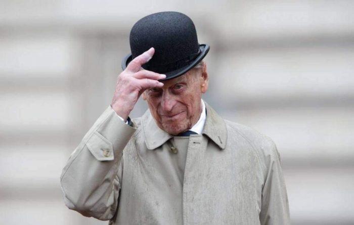 Общество: Принцу Филиппу хотят установить памятник в центре Лондона