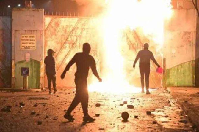 Общество: Британия теряет контроль над Северной Ирландией: регион в огне
