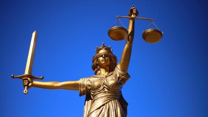 """Общество: Высокий суд Англии отказал экс-владельцам """"ЮКОС"""" в возобновлении производства"""