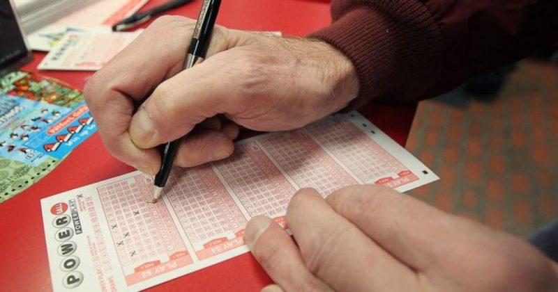 Общество: Британец сорвал джекпот в лотерею, потому что перепутал цифры