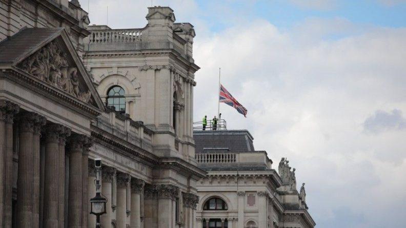 Общество: Российских послов вызвали в МИД Великобритании и Польши