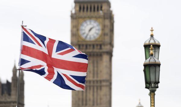 """Общество: """"За серьезный проступок могут попросить домой"""": как живут латвийцы в Великобритании"""