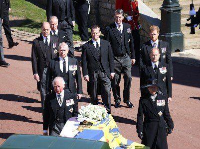 Общество: В Британии проходит церемония прощания с принцем Филиппом