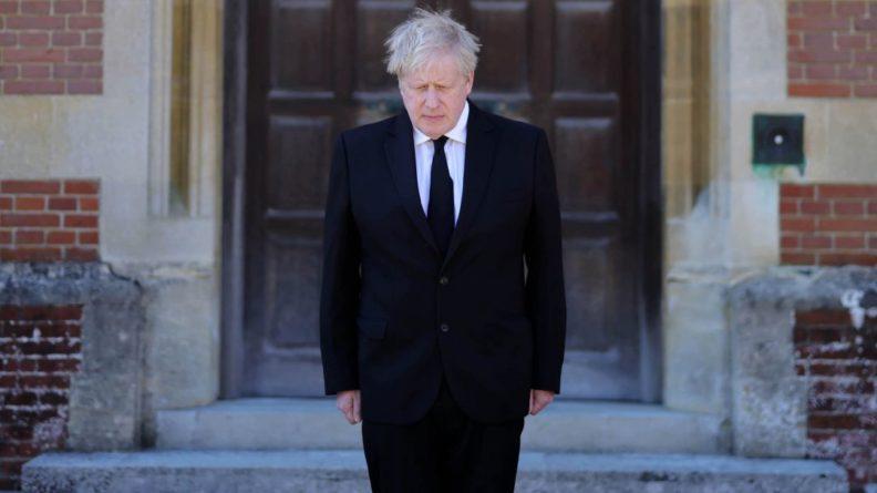Общество: Джонсон не был на похоронах принца Филиппа, но почтил его память: видео