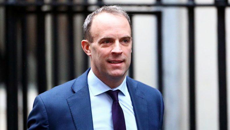 Общество: Великобритания поддерживает Чехию в намерении выслать дипломатов РФ