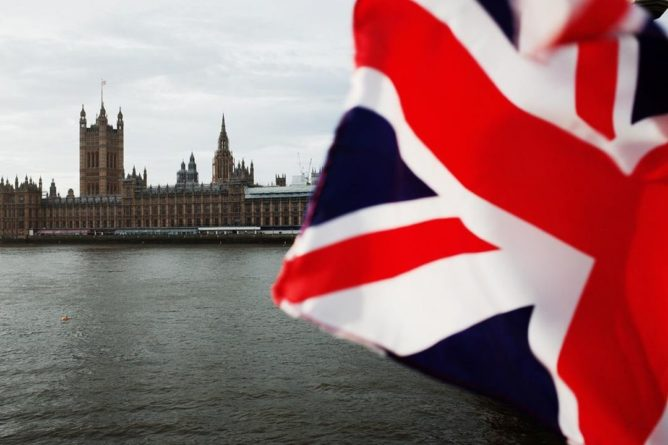 Общество: В знак солидарности с Украиной Великобритания перебросит корабли в Черное море, – СМИ