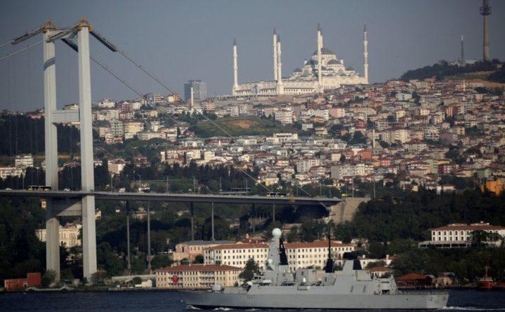 Общество: Times узнала об отправке кораблей ВМС Британии в Черное море