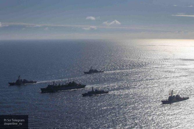 Общество: Читатели The Times осудили решение Британии направить корабли в Черное море
