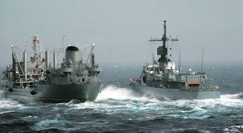Общество: Читатели Daily Mail посоветовали кораблям флота Великобритании запастись ведрами в Черном море