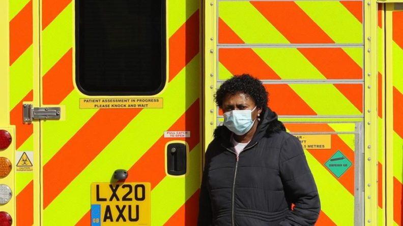 Общество: В Великобритании за сутки выявили почти 3 тыс. случаев коронавируса